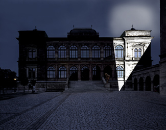 Gunda Foerster, LIGHTNING, spotlights, Neues Museum Weimar | permanent piece since 1999_3