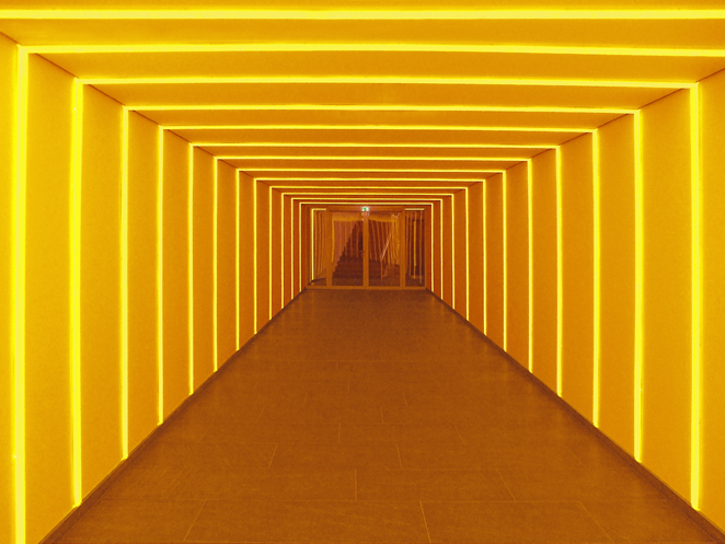 Gunda Foerster, Tunnel # 2, LED, 2012_2