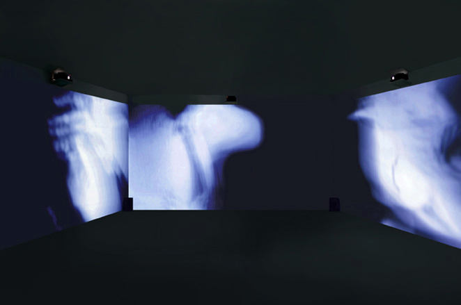 Gunda Foerster, BLACK-OUT-WHITE (Exposure), slide projection + sound, 2000_4