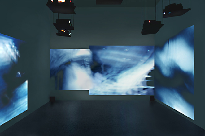 Gunda Foerster, CUT, slide projection + sound, 2000_2