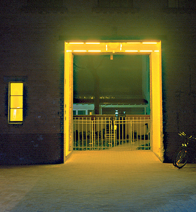 Gunda Forster, 5 PASSAGES, fluorescent lamps, Sophie-Gips-Höfe, Berlin | permanent piece since 1997_4