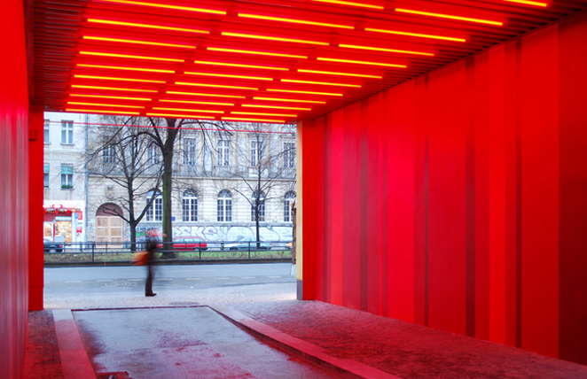 Gunda Foerster, G212, fluorescent tubes + colour, Berlin | permanent piece since 2009_2